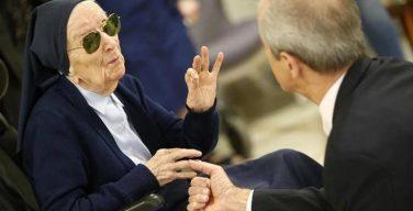 Католическая монахиня из Франции победила коронавирус в канун своего 117-летия