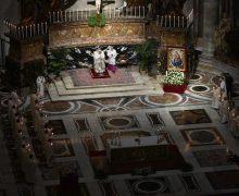 Папа Франциск возглавил Мессу в соборе Святого Петра по случаю праздника Сретения и Дня посвященной Богу жизни