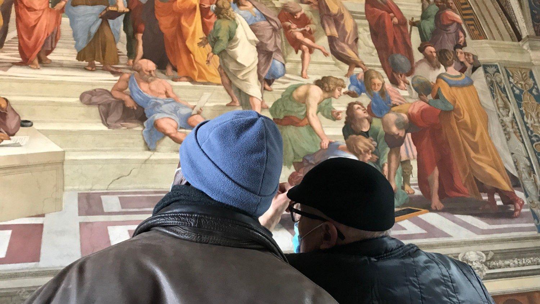 Ватикан и большинство регионов Италии смягчили введенные из-за COVID-19 ограничения