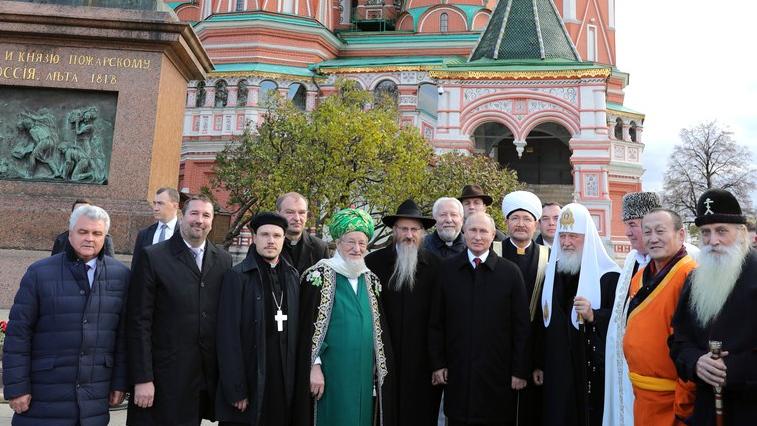Госдума приняла закон о переаттестации в РФ духовенства, обучавшегося за рубежом