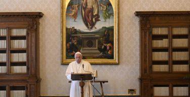 Слово Папы Франциска перед чтением молитвы «Ангел Господень» в 5-е воскресенье Великого Поста. 21 марта 2021 г., Библиотека Апостольского дворца