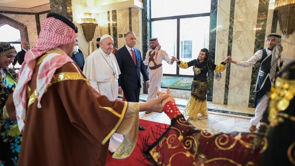 Начался Апостольский визит Папы Франциска в Ирак
