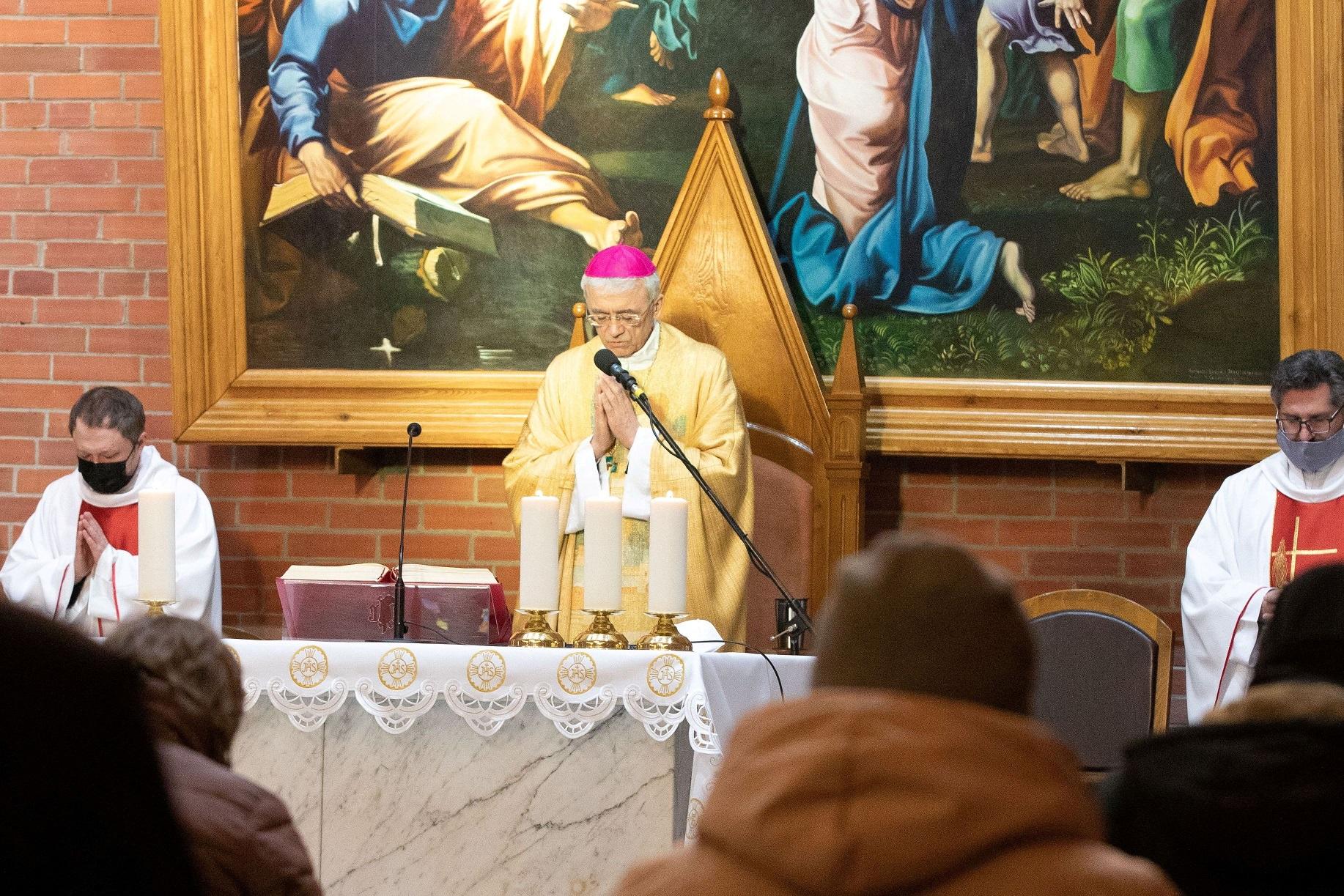 Католики Преображенской епархии вступили в Священное Пасхальное Триденствие: Месса воспоминания Тайной Вечери в Кафедральном соборе Новосибирска
