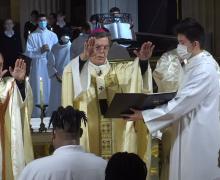 Во Франции на Пасху крестили более 3,5 тысяч человек