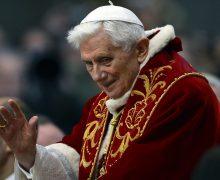 Уходя в отставку, Бенедикт XVI думал, что ему осталось жить считаные месяцы