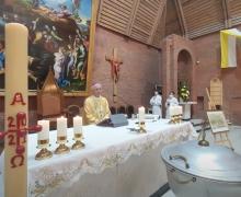 Торжественная Месса в Кафедральном соборе Преображения Господня (прямая трансляция из Новосибирска 18 апреля 2021 года)