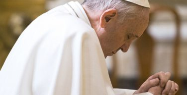 Папа скорбит о смерти лесотского кардинала Хораи