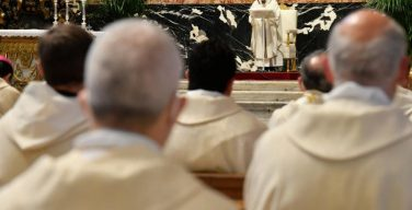 Проповедь Папы Франциска на Мессе освящения мира и благословения елея. 1 апреля 2021 г., Великий Четверг, собор Святого Петра