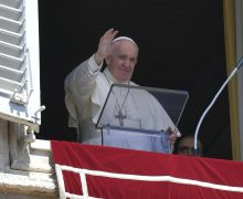 Regina Caeli 25 апреля 2021. Папа: Иисус – пастырь единого стада