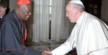 Папа молится об упокоении новопреставленного кардинала Туми