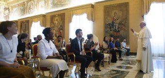 Папа встретился с делегатами общины Chemin Neuf