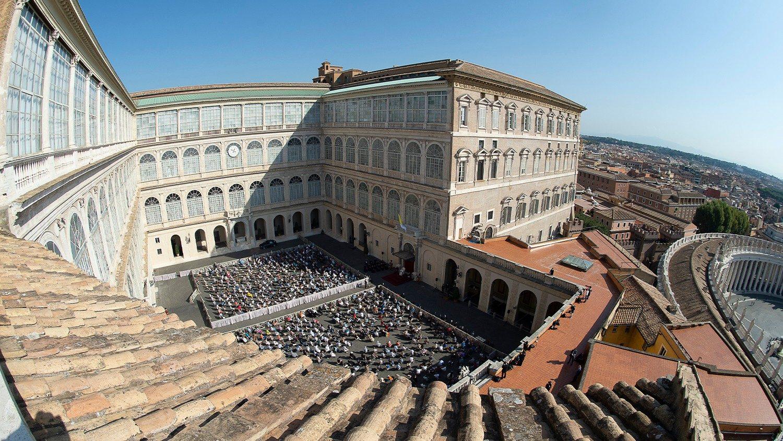 12 мая пройдет общая аудиенция Папы Франциска с участием народа