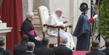 На общей аудиенции в среду последней недели Пасхального времени Папа Франциск продолжил цикл своих размышлений о молитве