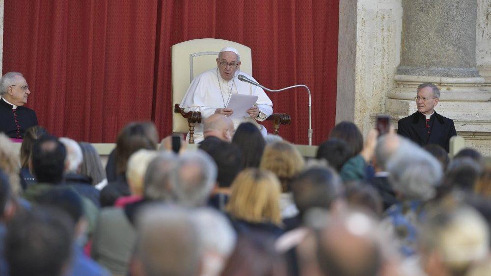 На общей аудиенции в среду 26 мая Папа Франциск продолжил цикл своих катехез о молитве