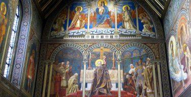 В Венгрии воскресная Месса снова стала обязательной для всех