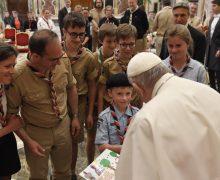 Папа: скауты призваны трудиться ради более «экстравертной» Церкви