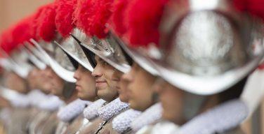 34 новобранца Швейцарской гвардии принесут присягу 6 мая 2021 года