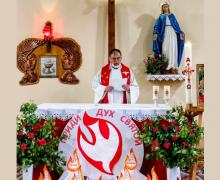 В новосибирском приходе францисканцев отпраздновали Сошествие Святого Духа
