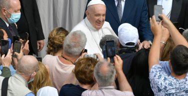Папа на общей аудиенции 2 июня: Евхаристия – источник благодати и света