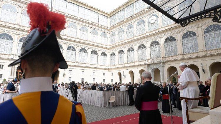 На общей аудиенции в среду 23 июня Папа Франциск начал новый цикл катехез, посвященных Посланию Галатам