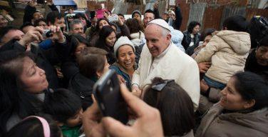 Обнародовано послание Папы Франциска на V Всемирный день бедных