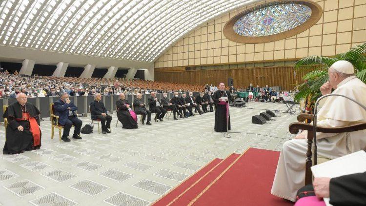 Папа Франциск – «Каритас» Италии: следуйте путём бедных, Евангелия и креативности