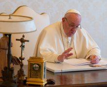 Папа призвал иезуитов открыть свои школы для бедных