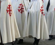 Рыцарский Орден Святого Гроба Господня изменил 900-летний ритуал посвящения новобранцев