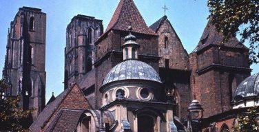 Польские епископы отозвали диспенсацию от участия в воскресных и праздничных Мессах