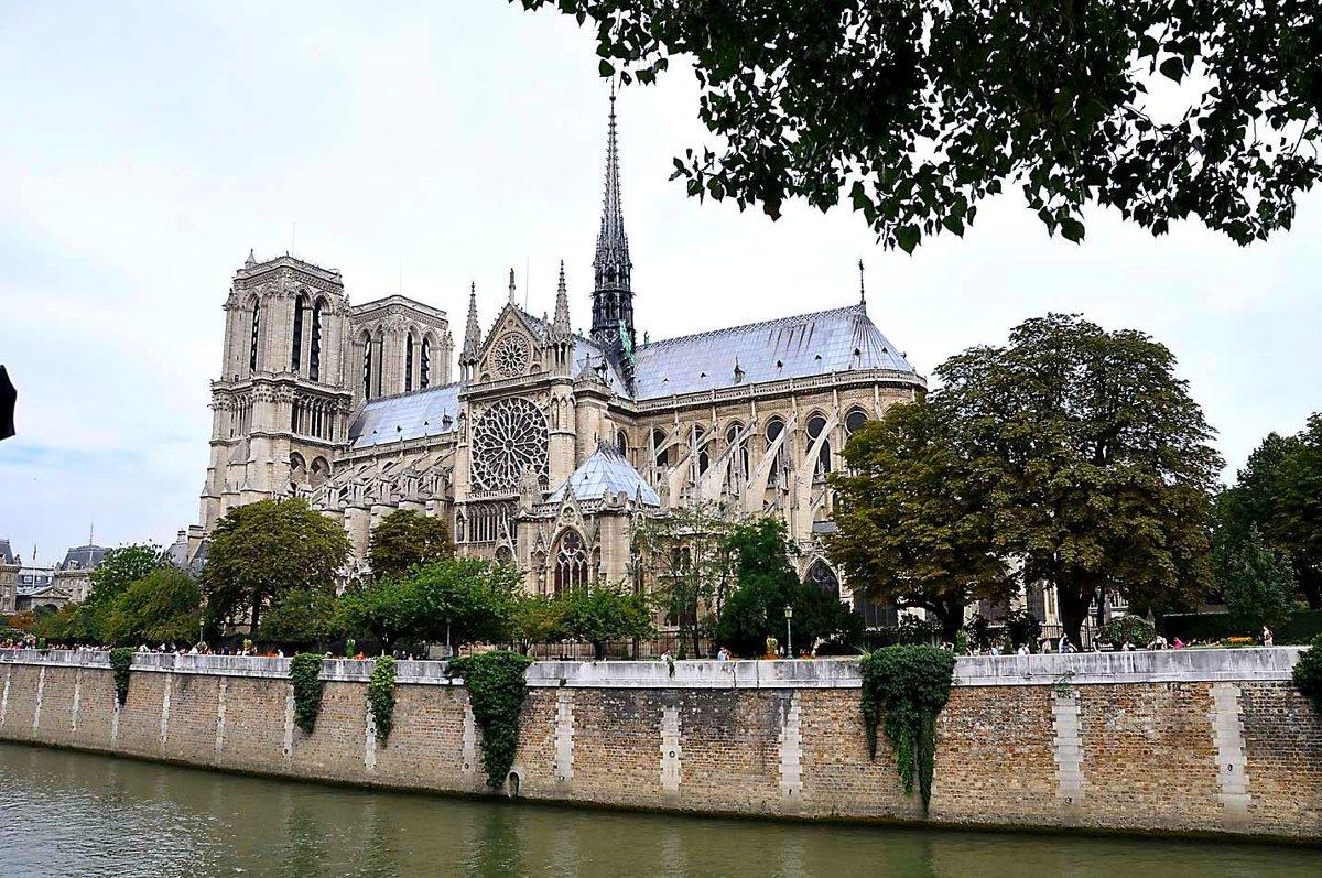 Парижской архиепархии нужны деньги на восстановление интерьера собора Нотр-Дам