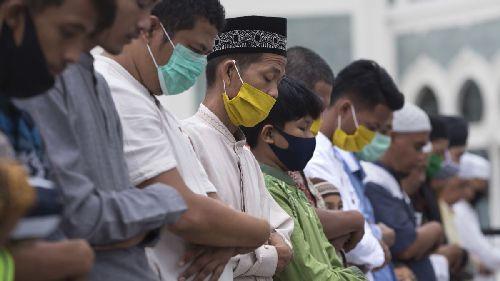 Пандемия изменит религию: религиоведы считают, что новые практики ковидного времени не исчезнут после победы над болезнью