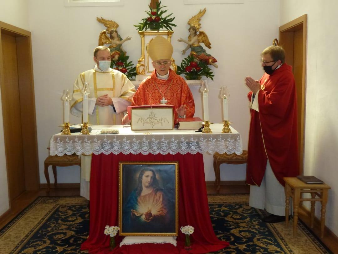 Владыка Иосиф Верт посетил с пастырским визитом приход Святого Петра в Тальменке