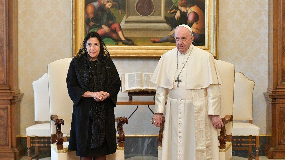 Президент Грузии посетила с визитом Ватикан