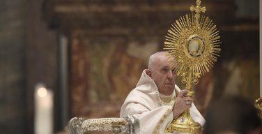 Папа на Corpus Domini: Церковь – это горница для всех, а не кружок для идеальных