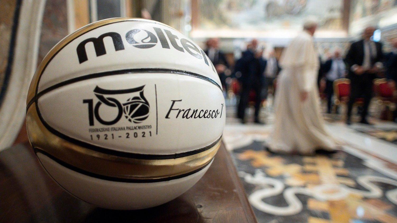Папа: спорт – лекарство от индивидуализма