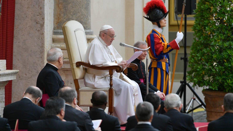 Папа: мы всегда находимся в центре молитвы Господа