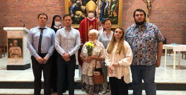 Миропомазание в Кафедральном соборе Новосибирска (ФОТО)