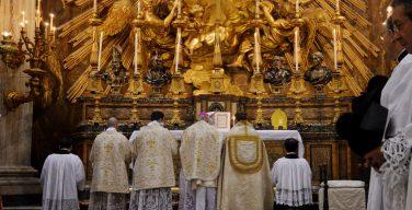 Папа Франциск изменил порядок использования Римского миссала 1962 г.