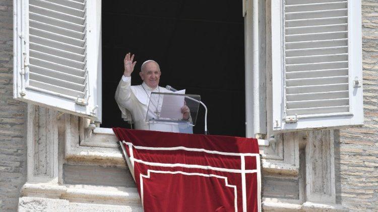 Слово Папы Франциска перед чтением молитвы «Ангел Господень» в 14-е воскресенье Рядового времени. 4 июля 2021 г., площадь Св. Петра