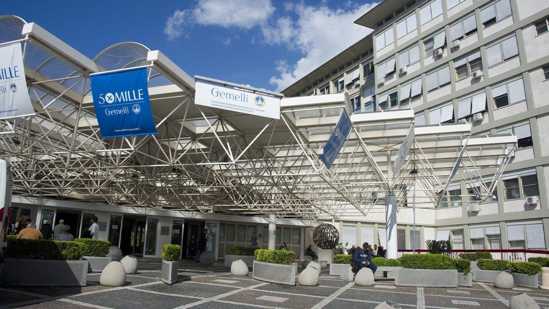 Папа Франциск находится на госпитализации в больнице им. Джемелли