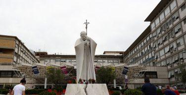 Папа прочтёт воскресный Angelus из окна римской клиники