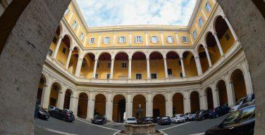Декретом трех ватиканских ведомств упразднены две ассоциации мирян