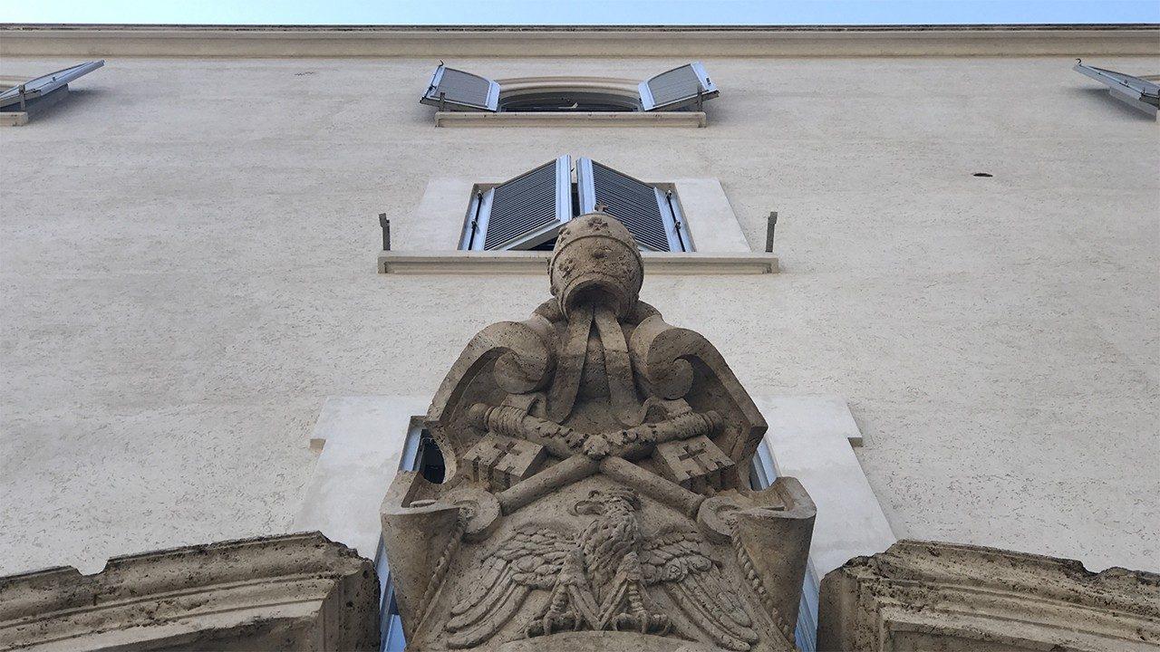 Ватикан: десять человек обвиняются в финансовых преступлениях