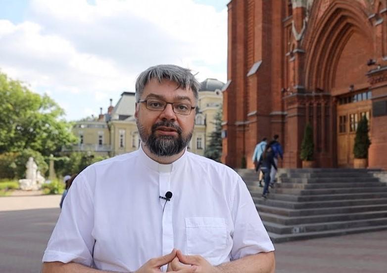 Госпитализация Папы Римского застала католиков врасплох, заявил священник