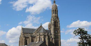 Глава МВД Франции призвал усилить безопасность церквей накануне праздника Успения Богородицы