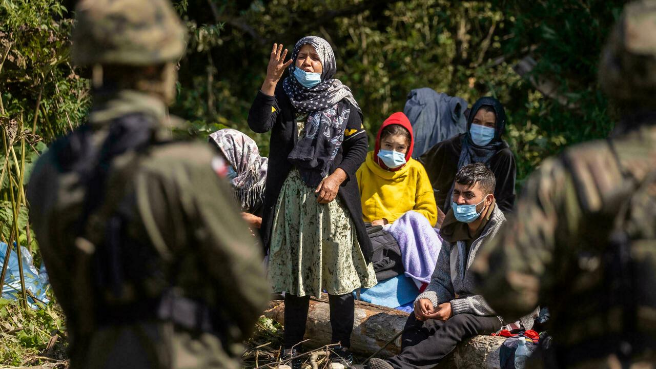 Польша: епископы просят принять беженцев «белорусского маршрута»