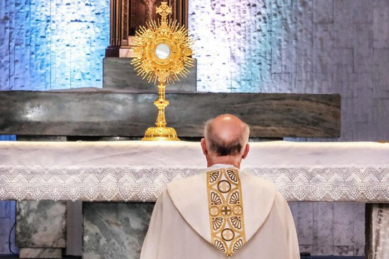 Католики Калифорнии молятся о спасении старшеклассников, захваченных в Афганистане