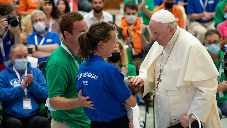 Папа принял делегатов французской ассоциации Lazare, заботящейся о бездомных (ФОТО)