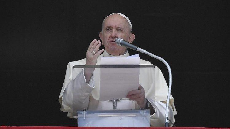 Слово Папы Франциска перед чтением молитвы «Ангел Господень» в 21-е воскресенье Рядового времени. 22 августа 2021 г., площадь Св. Петра