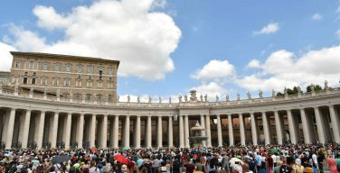 Папа: без Иисуса, Хлеба жизни, мы не живём, а прозябаем